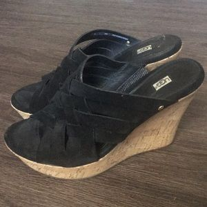 Ugg Marta Strappy Suede Wedge Sandal Size 9